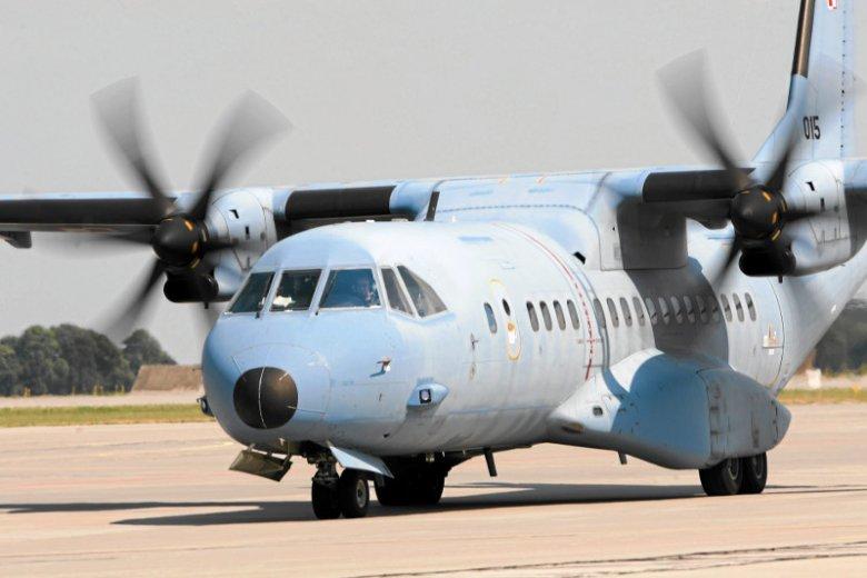 Samolot wojskowy CASA.