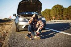 Awaria auta na trasie może zepsuć wakacyjną przygodę.