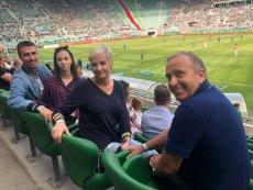 Grzegorz Schetyna rzadko pokazuje rodzinę. Tym razem wrzucił jednak zdjęcie z rodzinnego wypadu na mecz Śląska Wrocław.