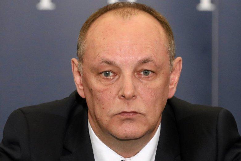 """Prokurator Pasionek zarzuca rosyjskim kontrolerom """"umyślne spowodowanie katastrofy"""" w Smoleńsku. Podkreśla jednak, że nie zamyka to innych wątków zamachowych."""