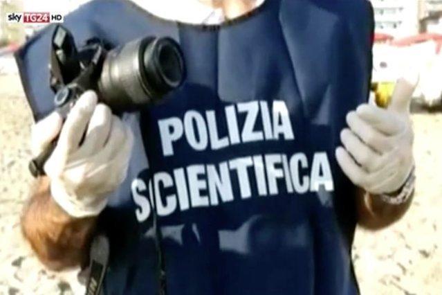 Włoska policja szuka młodego Polaka podejrzanego o brutalne zgwałcenie 57-letniej bezdomnej kobiety.