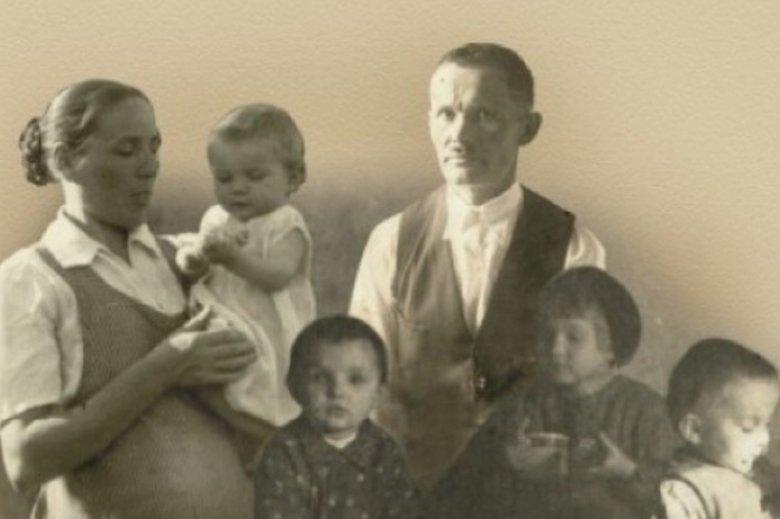 Cała rodzina Ulmów została zamordowana 24 marca 1944 roku przez Niemców. Powodem było ukrywanie Żydów.
