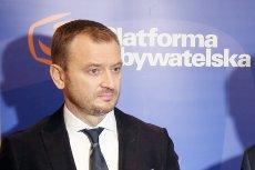 Sławomir Nitras informuje o karach finansowych nałożonych przez marszałka Sejmu Marka Kuchcińskiego na posłów Platformy Obywatelskiej.