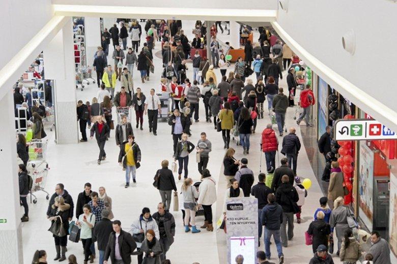 80% pracowników galerii handlowych to absolwenci szkół wyższych lub studenci