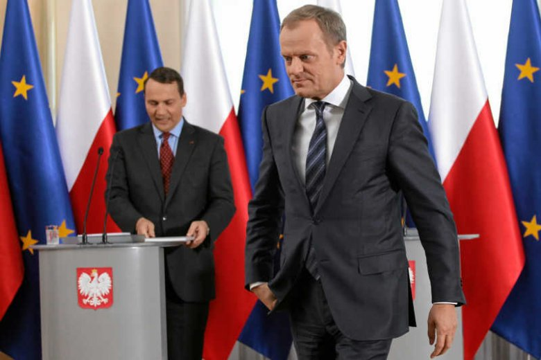 Donald Tusk odchodzi do Brukseli, Radosław Sikorski zostaje. Na lodzie.