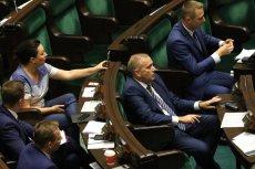 Grzegorz Schetyna chce, żeby PO była silna i trzymała się razem, jednak posłom nie podobają się niektóre decyzje władz partii.