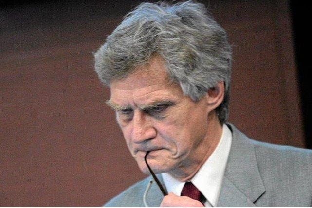 Dr Kazimierz Nowaczyk potrzebuje pieniędzy na adwokata, które zbiera dla niego Antoni Macierewicz
