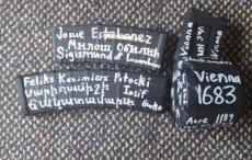 Polskie wątki po atakach w Nowej Zelandii. Wymowne hasła na broni sprawcy.