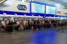 Zdjęcie z zeszłego piątku. Przed weekendem kolejki na Dworcu Centralnym są piekielnie długie. Ale w tygodniu jest podobnie
