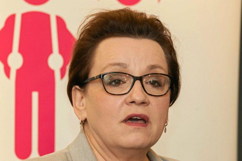Sąd Okręgowy w Jeleniej Górze zdecydował o umorzeniu postępowania ws. nastolatki, która miała znieważyć Annę Zalewską.