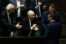 Rządowi Mateusza Morawieckiego udało się zdobyć wotum zaufania, ale społeczny mandat jest coraz słabszy.