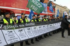 Mundurowi przypomnieli Andrzejowi Dudzie o poległych na służbie policjantach.