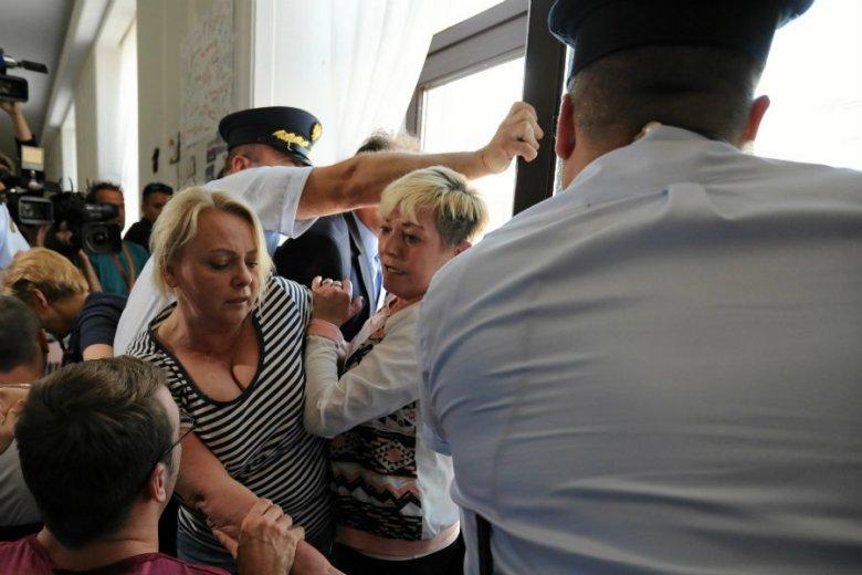 Straż Marszałkowska będzie mogła chodzić z bronią gotową do wystrzału.
