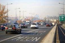 Mateusz Morawiecki zapowiedział zmiany w korzystaniu z buspasów w polskich miastach.