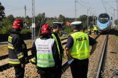 Kobieta z dwójką dzieci zginęli na niestrzeżonym przejeździe kolejowym w Walentynowie koło Włocławka.