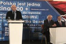 Prezes PiS podczas wystąpienia w Jachrance.