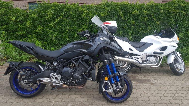 Niken z boku przypomina zwyczajny motocykl.