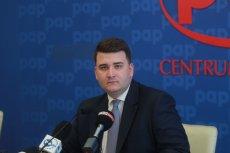 """Bartłomiej Misiewicz nie chciałspłacić pożyczki, choćbył jej żyrantem –informuje """"Rzeczpospolita""""."""