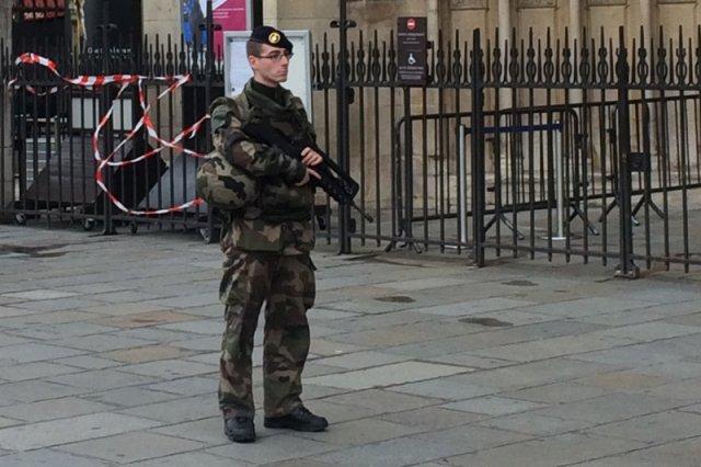 Paryż po zamachach.