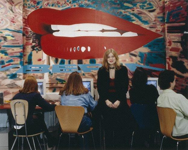 Cyberia - pierwsza na świecie kafejka internetowa (wrzesień 1994 rok, Londyn). Współzałożycielką była Polka.