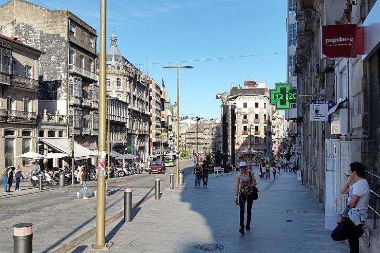 Myślisz o emigracji po wygranej PiS w wyborach? Hiszpańska Galicja może okazać się dobrym pomysłem na nowy dom. Na zdjęciu centrum Vigo.
