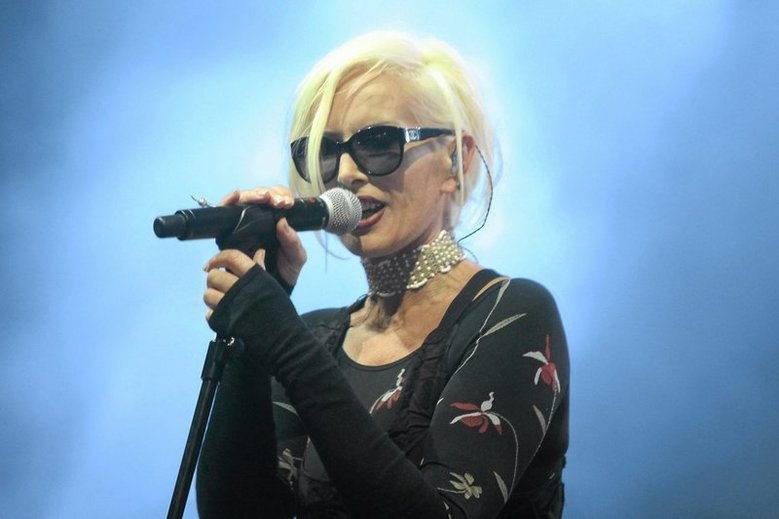 Kora zmarła rok temu, wokalistka zmagała się z rakiem jajnika