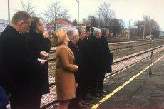Andrzej Duda podpisał ustawę o transporcie kolejowym na zamkniętym peronie w Końskich.