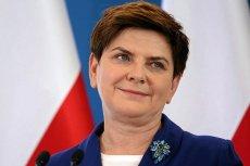 """""""Nasza żelazna dama"""" – zwolennicy rządu tak widzą Beatę Szydło."""