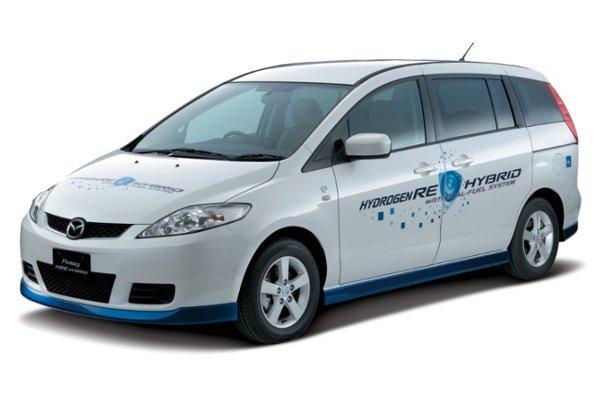 Mazda Premacy Hydrogen RE Hybrid - auto jest napędzane przez zasilany wodorem silnik Wankla oraz silnik elektryczny zasilany ogniwem paliwowym