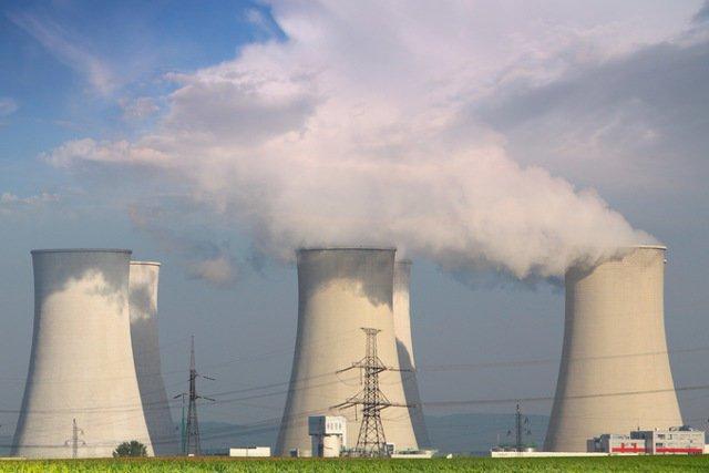 Czy nad Polską zawisła skażona chmura z uszkodzonej belgijskiej elektrowni atomowej? (zdjęcie poglądowe)