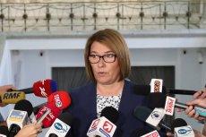 Beata Mazurek mówiła dziennikarzom o wątpliwościach polityków PiS dotyczących referendum konstytucyjnego.