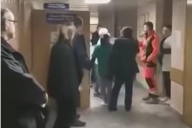 """""""Film z SORu udowadnia, że dąbrowski szpital potrzebuje zmian w wielu obszarach"""" – ocenił prezydent Dąbrowy Górniczej."""