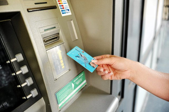Unijni urzędnicy chcą, aby można było zablokować nasze konta bankowe nawet na 30 dni. Jak mówią bankowcy, to nie jest dobry pomysł.