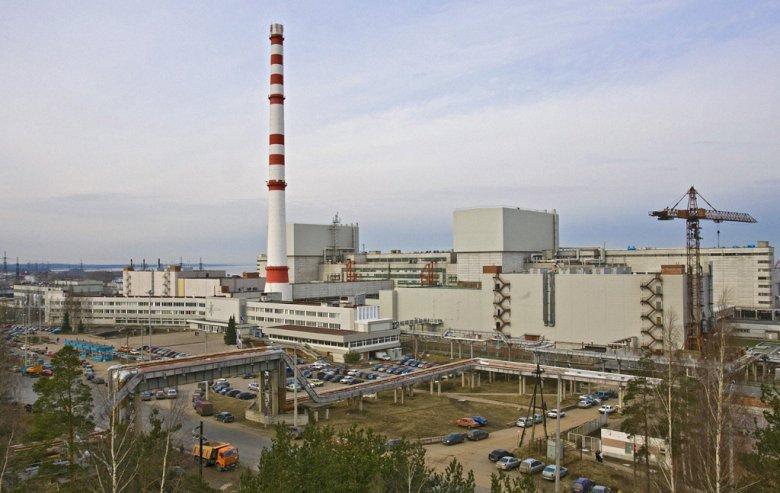 Leningradzka Elektrownia Jądrowa położona jest w Sosnowym Borze ok. 80 km na zachód od Petersburga.