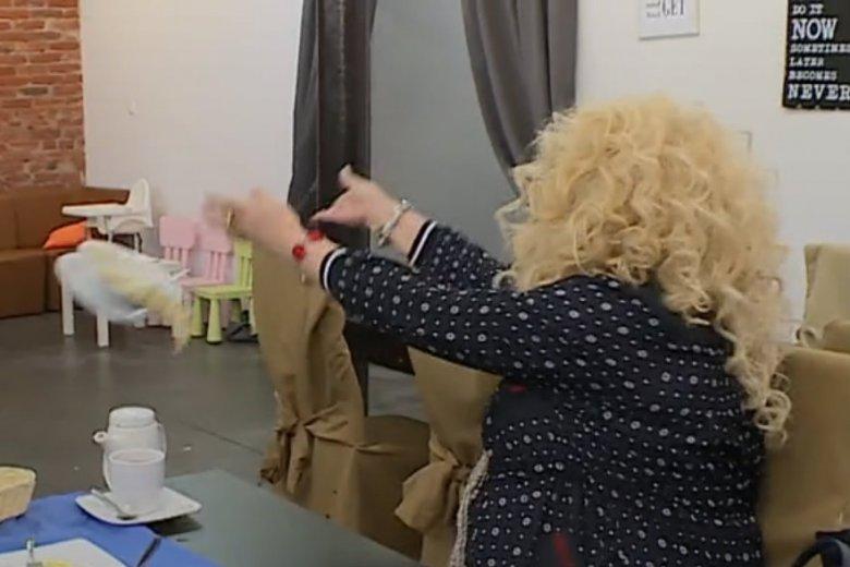 """Magda Gessler ochoczo rzucała talerzami w nowym odcinku """"Kuchenny rewolucji"""". Zdenerwowała ją postawa 25-letniej Pauliny."""