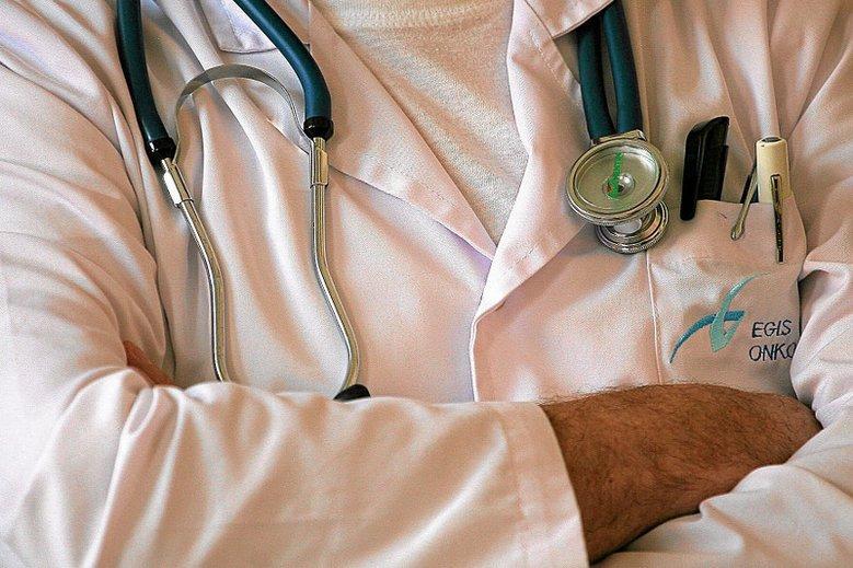 Gorzki list lekarzy do parlamentarzystów. Lekarze proszą, żeby parlamentarzyści zamiast głosować za 500+na pierwsze dziecko, zagłosowali za pieniędzmi na ochronę zdrowia.