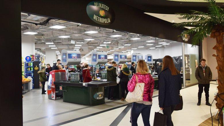 Zakupy w delikatesach w niedzielę, gdy obowiązuje zakaz handlu? W Gdańsku to żaden problem.