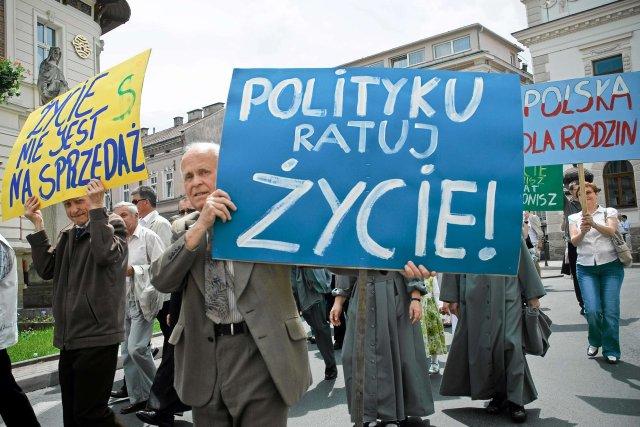 Protest w Warszawie przeciwko aborcji.