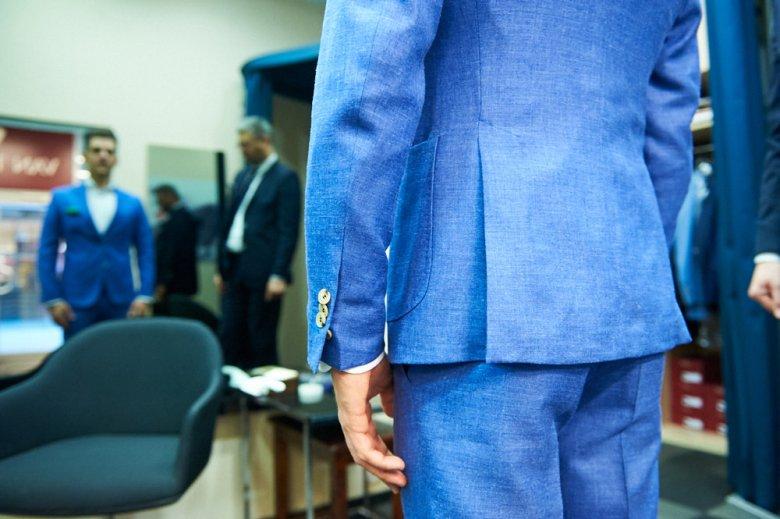 Wybór sztampowego garnituru - do pracy lub na pogrzeb i wesele jest o wiele łatwiejszy.