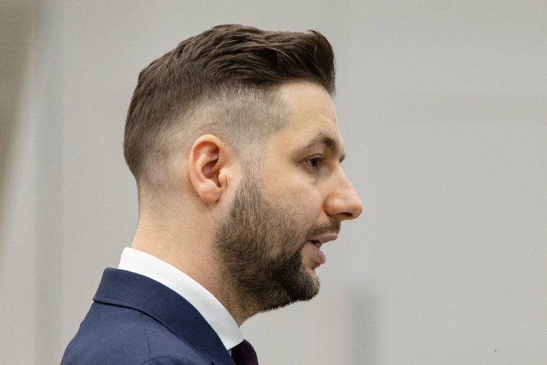 Patryk Jaki próbował zadrwić z Borysa Budki na Twitterze. Internauci ściągnęli europarlamentarzystę na ziemię.