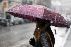 Jaka pogoda przed Bożym Narodzeniem? Raczej bardzo wietrzna i z zamieciami śnieżnymi. Do tego ma być ślisko.
