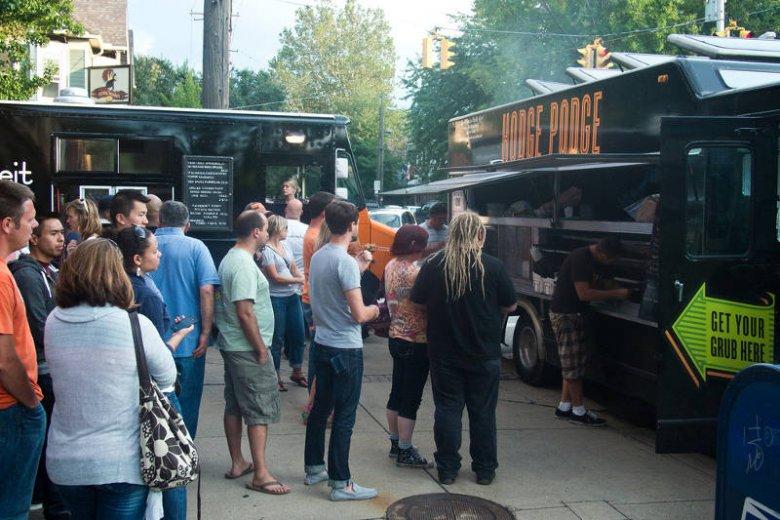 Popularne w Polsce i na świecie food trucki też mogą być źródłem dobrego, wartościowego jedzenia. To kwestia wyboru dań
