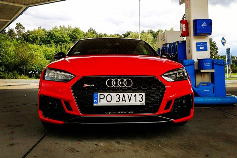 Audi RS5 - mnie osobiście ten model zachwyca.
