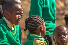 Dziewczęta z RPA dostają stypendium, jeśli są dziewicami.