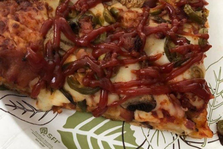 Pizza z keczupem
