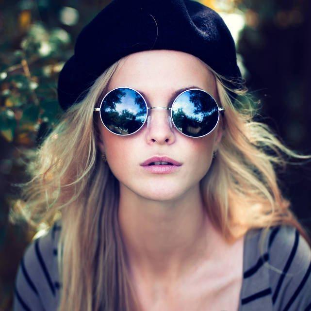 Makijaż latem? Postaraj się ograniczyć ilość kosmetyków do korygowania cery. BB lub CC krem - czasami wystarczą
