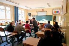 Zebrania w szkołach odzwierciedlają polskie społeczeństwo.