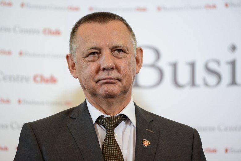 Marian Banaś pozostaje szefem NIK, ale pracęstraci szef ABW.