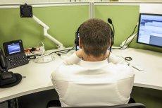 Pracownicy Call Center mogą zarobić nawet do 10 tys. Robią to nie zawsze uczciwie.