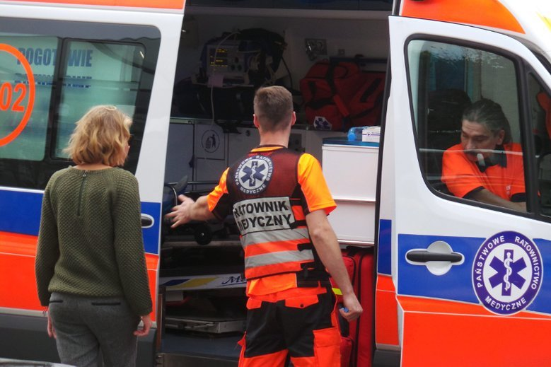 Sytuacja opisana przez ratownika medycznego oburza.